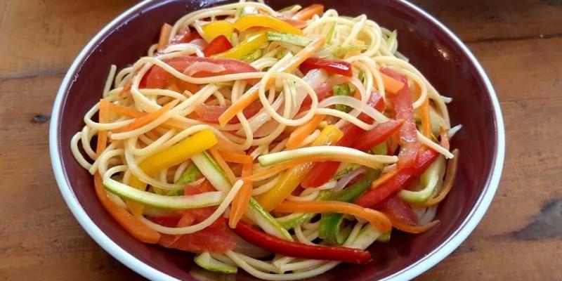 Macarrão de legumes