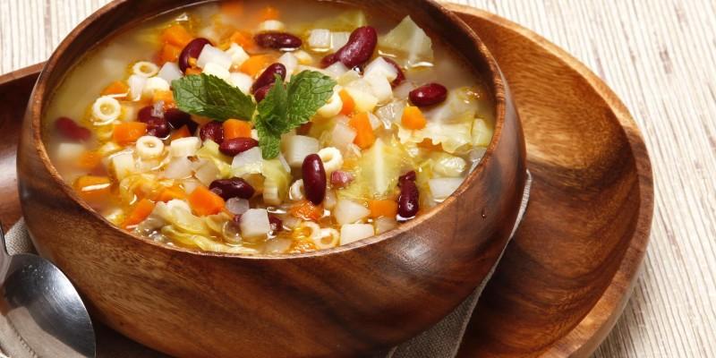Sopa de Abóbora com acelga